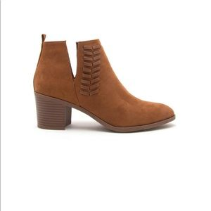Shoes - Chestnut / camel braided bootie sz 6.5